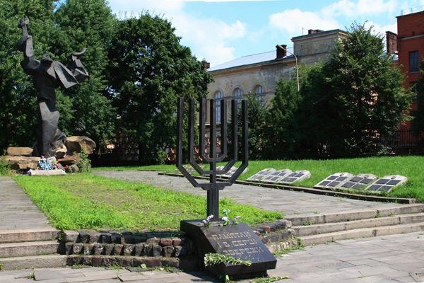 Holocaust_memorial_Lviv